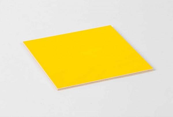 Geometrische Kommode - blankes Brettchen