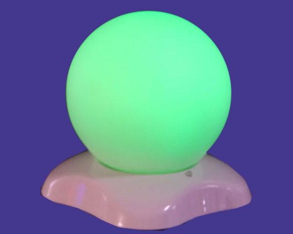 MOBO Kugel-LED mit Ladeteil