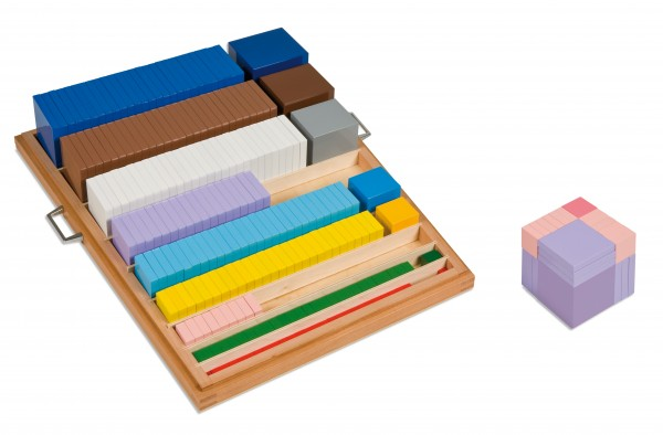 Kasten mit Würfeln und Quadraten Nienhuis