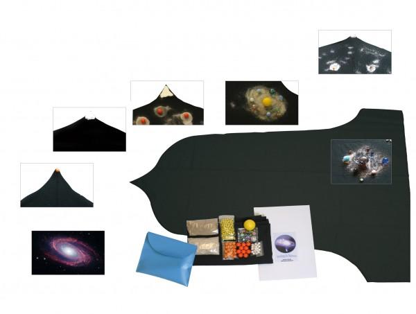 Die Geschichte des Universums Erzählung mit Requisiten