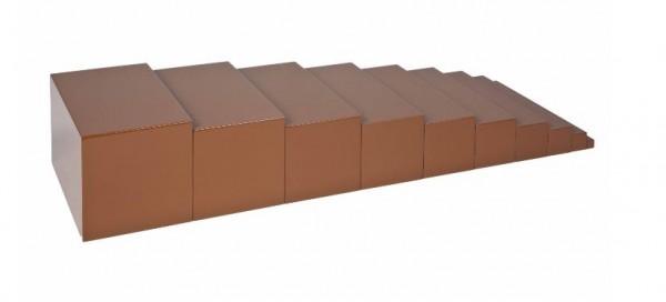 Braune Treppe (braun lackiert)