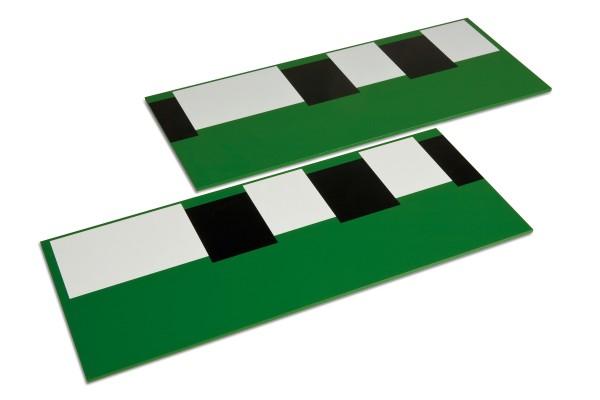 2 Bretter mit schwarzen und weißen Feldern
